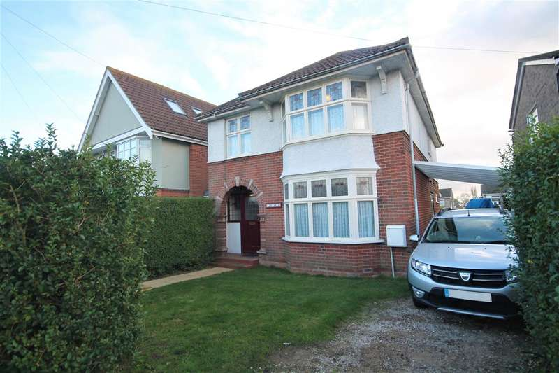 5 Bedrooms Detached House for sale in Main Road, Dovercourt