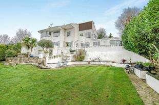 5 Bedrooms Detached House for sale in Main Road, Biggin Hill, Westerham, Kent