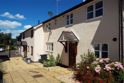2 Bedrooms House for rent in Central Honiton, AVAILABLE WITH ZERO DEPOSIT OPTION