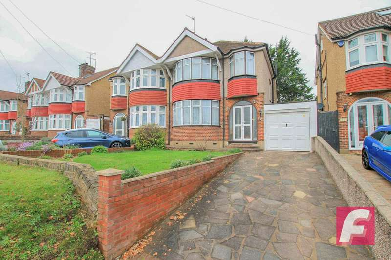 3 Bedrooms Semi Detached House for sale in Radlett Road, Knutsford estate, Watford, WD24