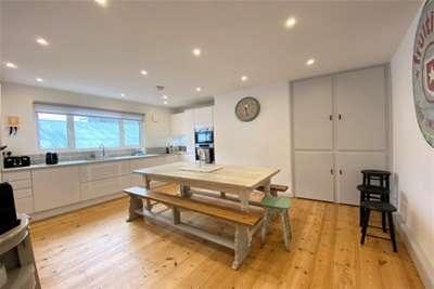 4 Bedrooms Property for rent in East Cross, Tenterden
