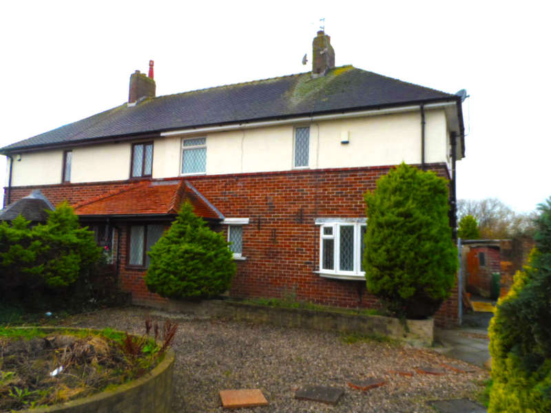 3 Bedrooms Semi Detached House for rent in Walney Place, Blackpool, FY3 7RT