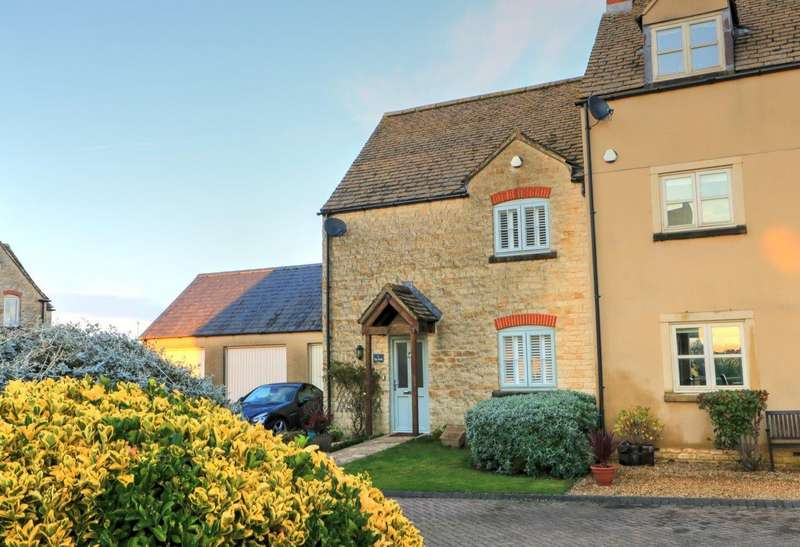 3 Bedrooms End Of Terrace House for sale in The Knoll, Malmesbury