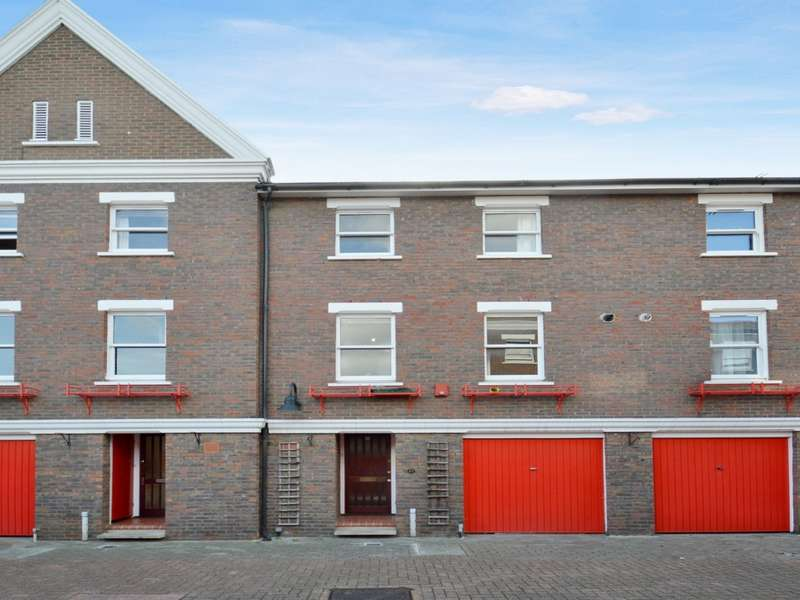 4 Bedrooms Terraced House for rent in Lockesfield Place, Isle of Dogs E14