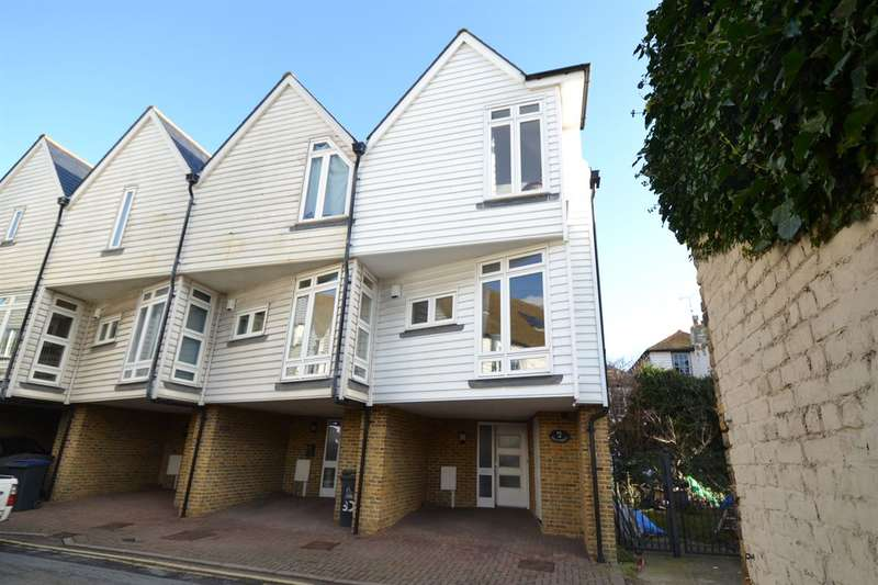 3 Bedrooms Terraced House for sale in Sea Street, Whitstable