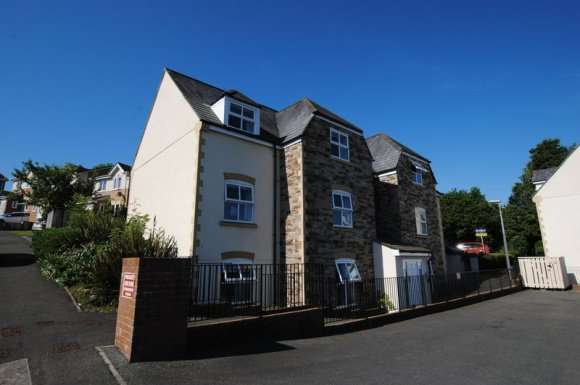 2 Bedrooms Apartment Flat for rent in Rogers Drive, Saltash