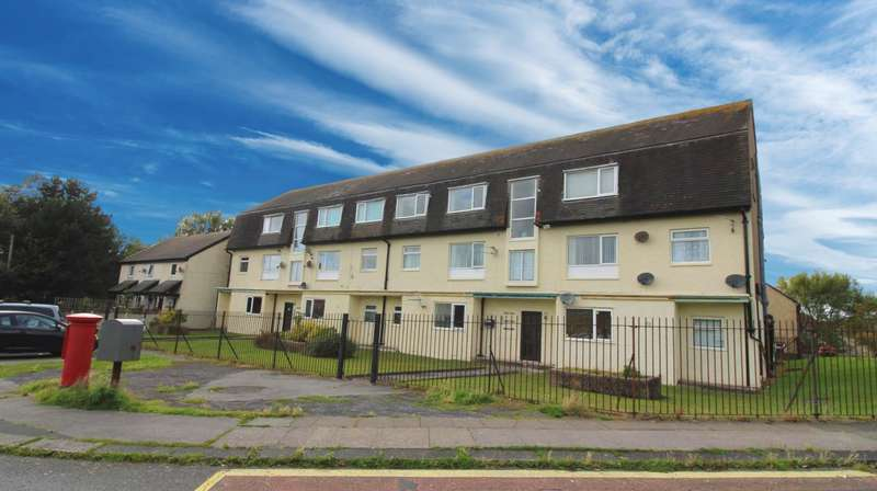 24 Bedrooms Flat for sale in 6 Pennington Court, Peel Avenue, Heysham, Morecambe