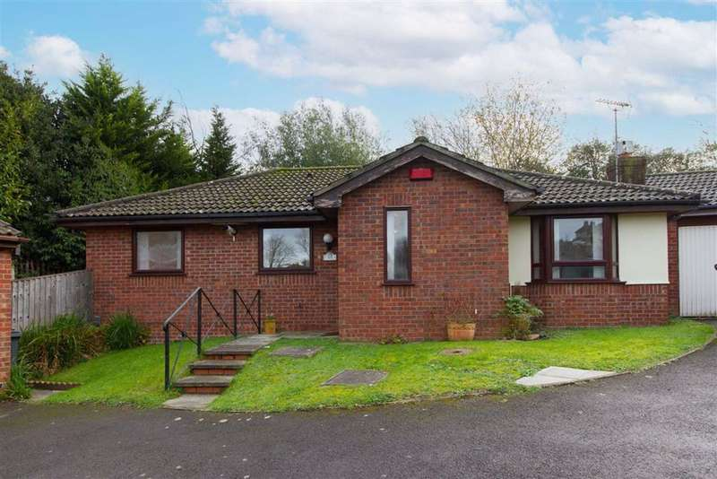 3 Bedrooms Bungalow for sale in Lambsdowne, Dursley, GL11