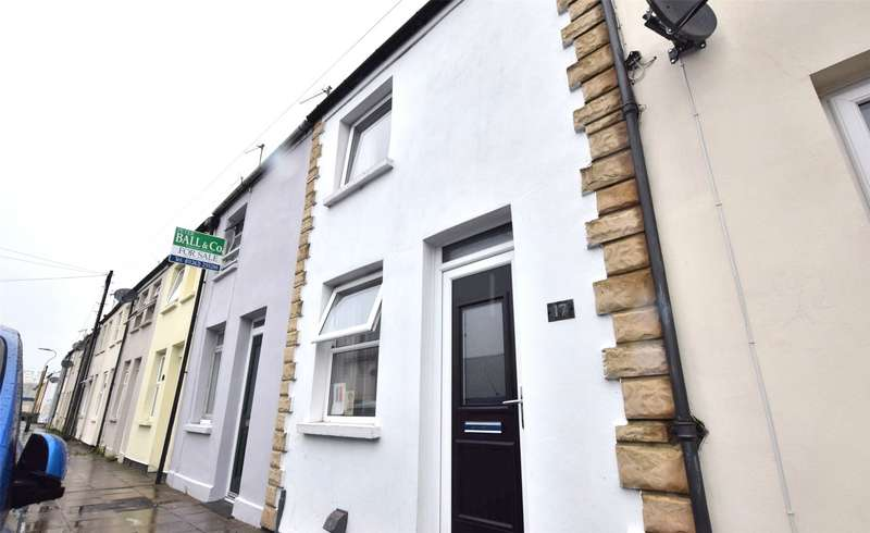 2 Bedrooms Terraced House for sale in Russell Street, Cheltenham, Gloucestershire, GL51
