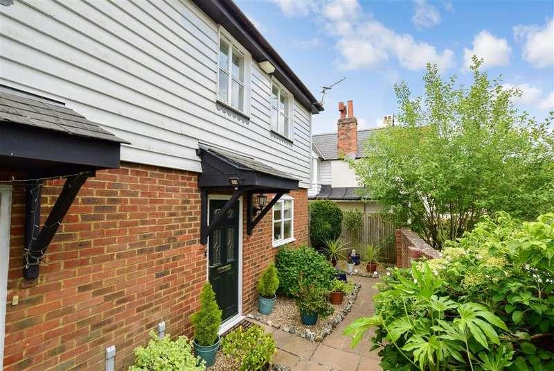 3 Bedrooms Semi Detached House for sale in Bartholomew Lane, , Hythe, Kent