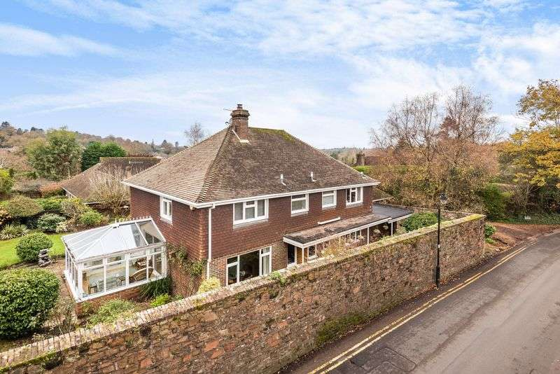 4 Bedrooms Property for sale in Church Lane, Haslemere CENTRAL LOCATION, SECLUDED DETACHED FAMILY HOME