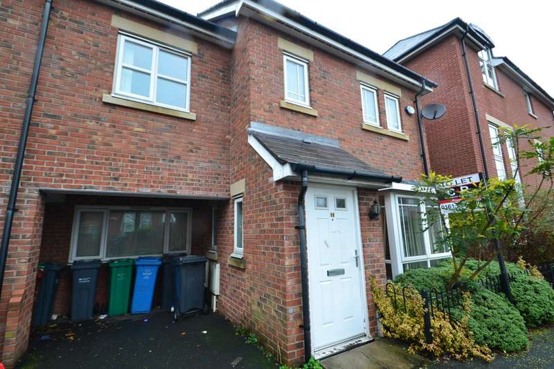 4 Bedrooms Terraced House for rent in Drayton Street Hulme, Manchester. M15 5LL