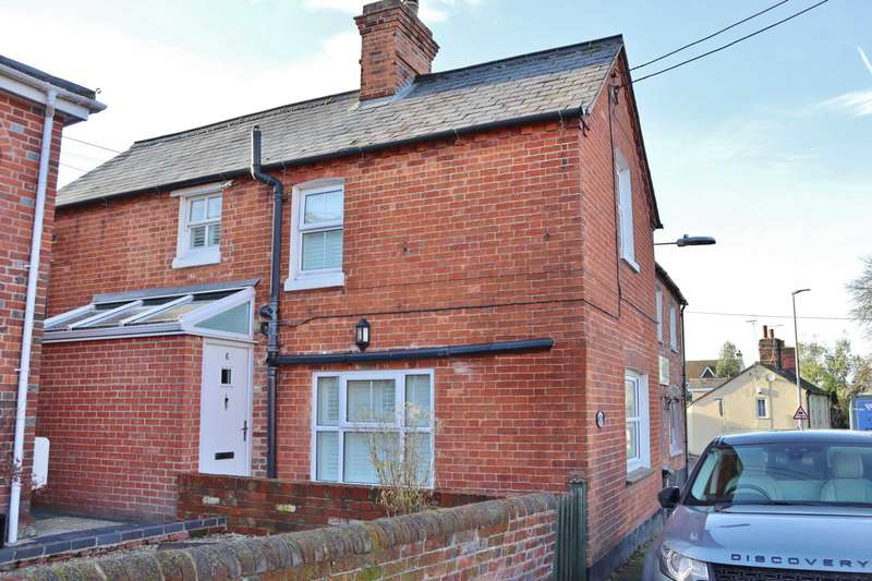 4 Bedrooms Semi Detached House for sale in Park Street, Hungerford, RG17 0EF