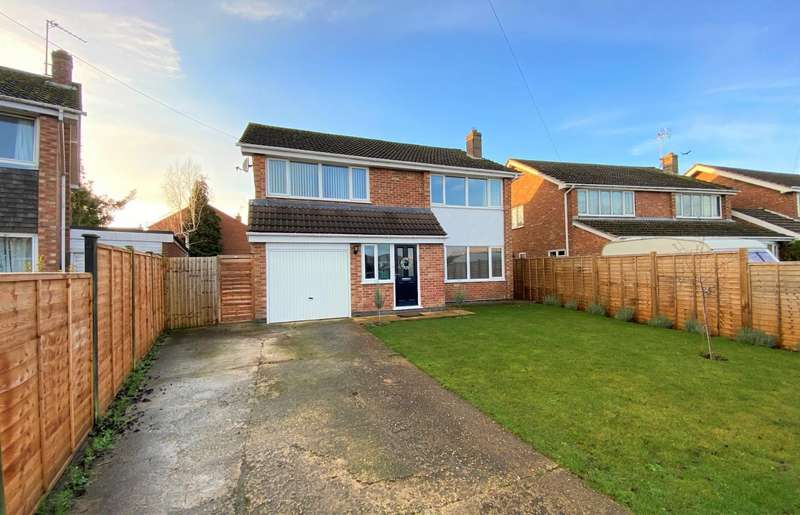 4 Bedrooms Detached House for sale in Elizabeth Way, Thurlby