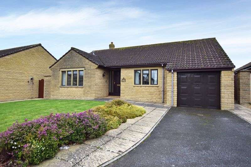 3 Bedrooms Property for sale in St. Michaels Gardens, South Petherton