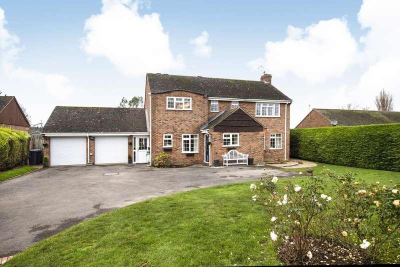4 Bedrooms Detached House for sale in Copse Lane, Long Sutton, RG29