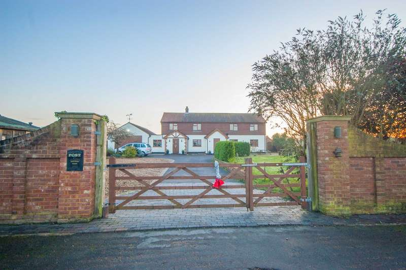 5 Bedrooms Detached House for sale in Writtle Park, Edney Common, Chelmsford, CM1