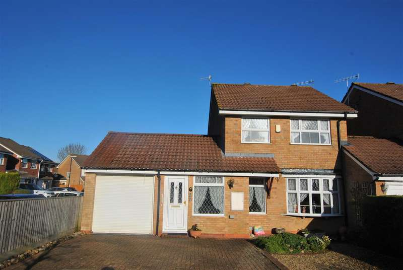 3 Bedrooms Link Detached House for sale in Abbots Close, Whitchurch