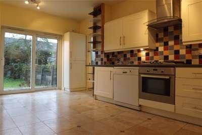 3 Bedrooms House for rent in Drapers Road, Enfield, EN2