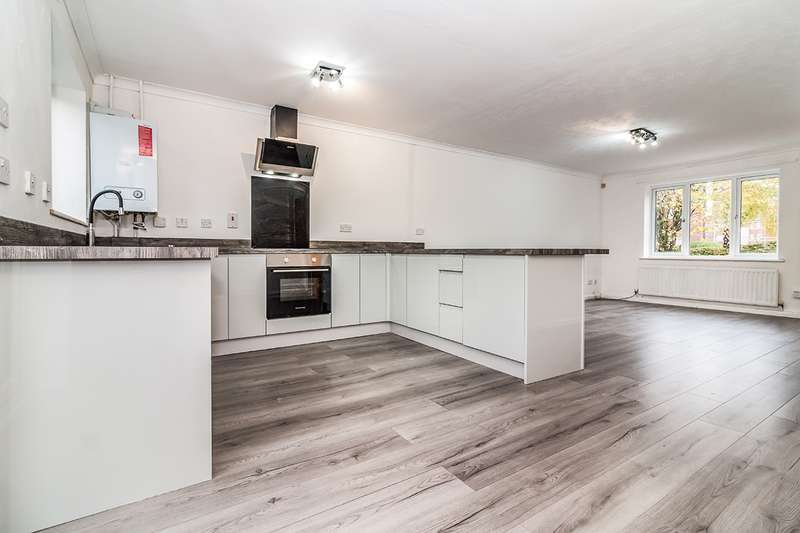 3 Bedrooms Semi Detached House for sale in Calico Close, Salford, M3