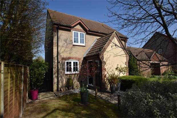 2 Bedrooms Semi Detached House for rent in Savory Walk, Foxley Fields, Binfield, Berkshire
