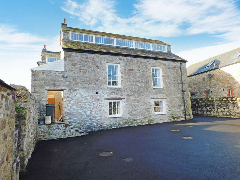 2 Bedrooms Flat for sale in Chapel Mews, Charlestown Road, St. Austell
