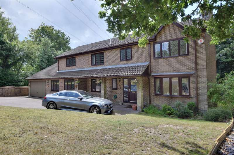 5 Bedrooms Detached House for sale in The Ridge West, St. Leonards