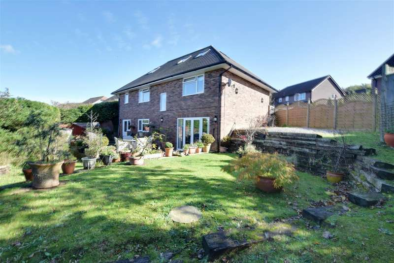 4 Bedrooms Detached House for sale in Washington Avenue, St. Leonards-On-Sea