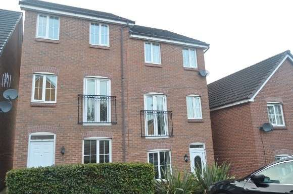 5 Bedrooms Property for rent in Sorrell Gardens, Near Keele, Newcastle-Under-Lyme