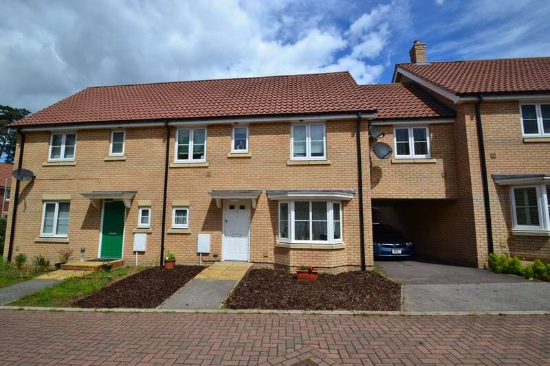 4 Bedrooms Semi Detached House for rent in Yew Tree Close, Mildenhall