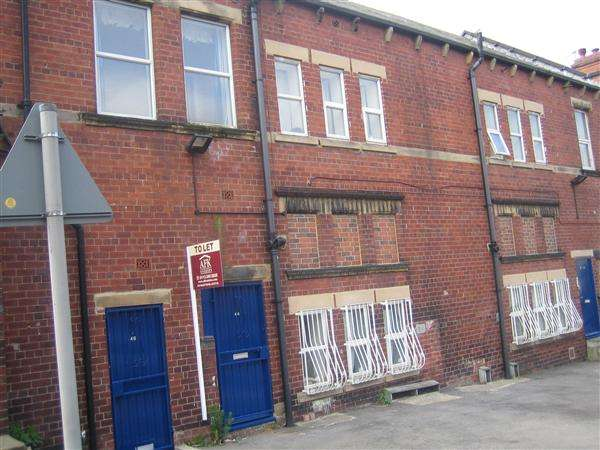 1 Bedroom Apartment Flat for rent in Ashton View, Leeds