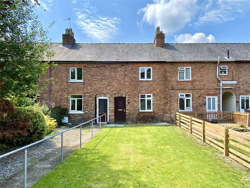 2 Bedrooms Terraced House for sale in 13 Lledan Terrace, Brook Street, Welshpool, Powys, SY21 7NP