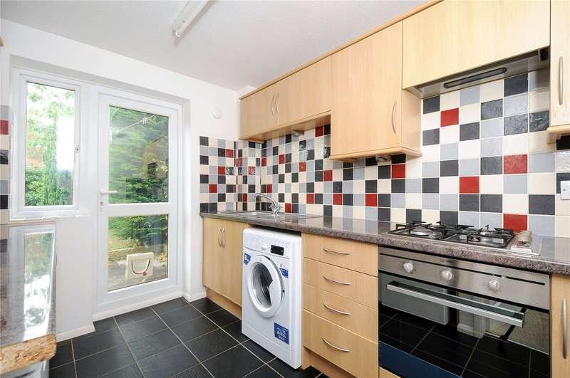 3 Bedrooms Terraced House for rent in Minden Close, Wokingham, Berkshire, RG41