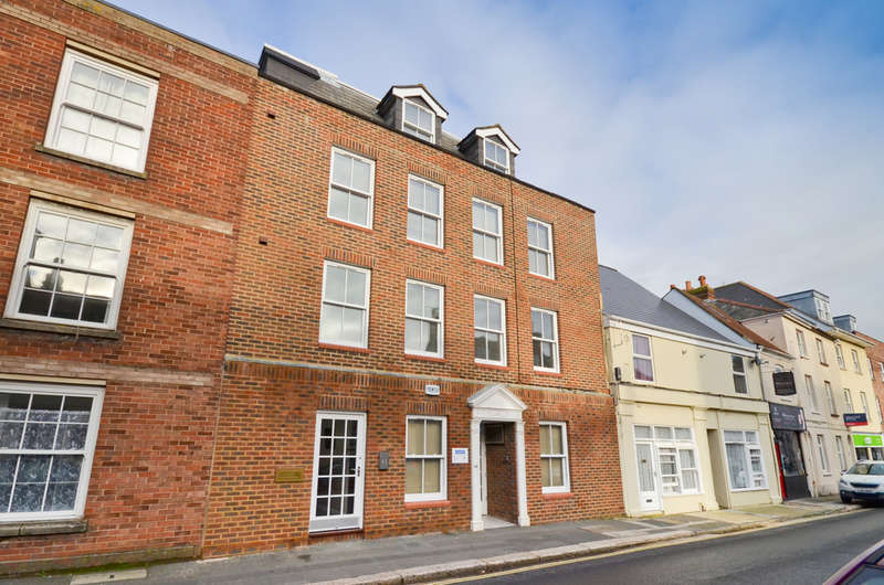 6 Bedrooms Flat for sale in Newport, Isle of Wight
