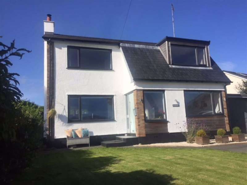 4 Bedrooms Detached House for sale in Brynteg Estate, Llandegfan, Anglesey