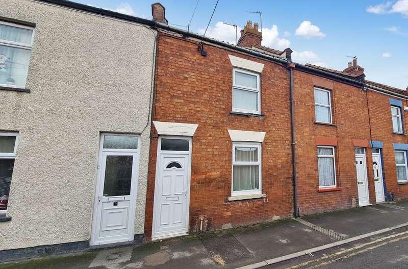 2 Bedrooms Terraced House for sale in Quantock Terrace, Bristol Road, Bridgwater