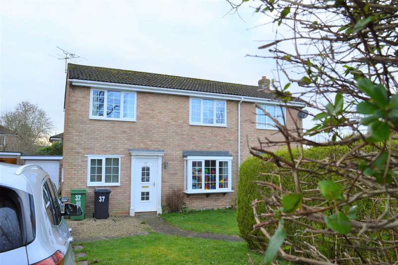 4 Bedrooms Detached House for rent in Dunn Crescent, Hungerford