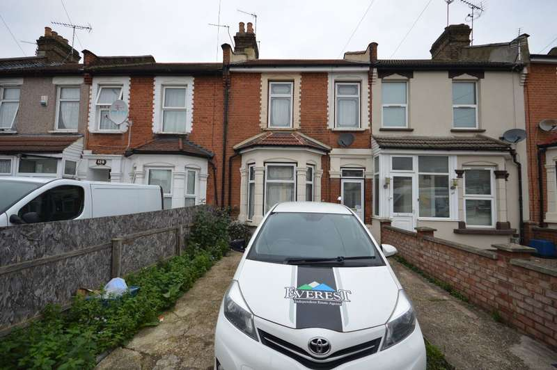 4 Bedrooms Terraced House for rent in Empress Avenue, Ilford