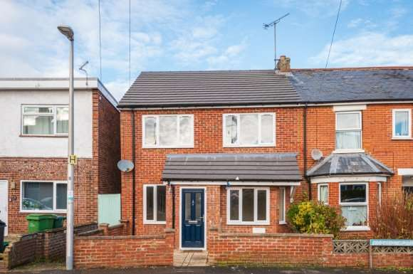 4 Bedrooms Semi Detached House for sale in Russell Road, Newbury, RG14