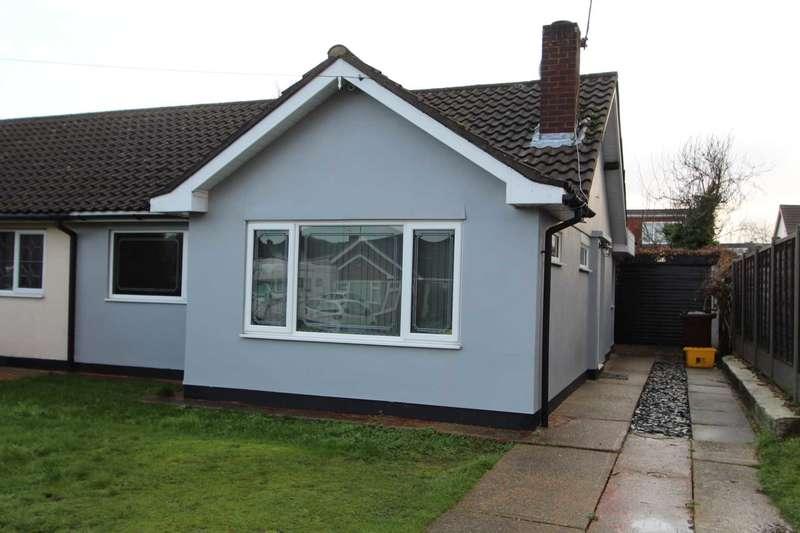 2 Bedrooms Semi Detached House for rent in Sandown Road Thundersley