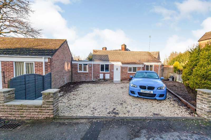 2 Bedrooms Detached Bungalow for sale in The Spinney, Ripley, Derbyshire, DE5