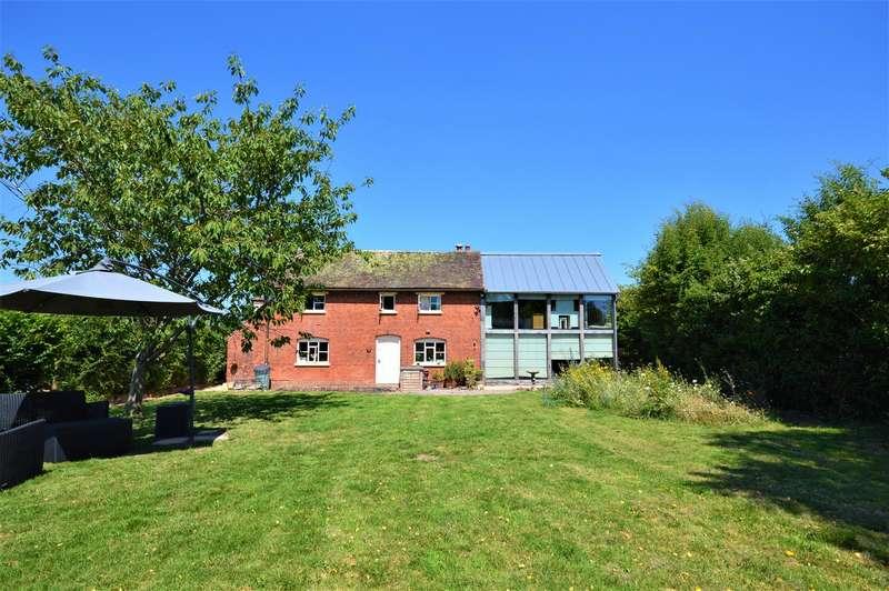3 Bedrooms Detached House for sale in House, Stables & Land, Ashperton, Ledbury
