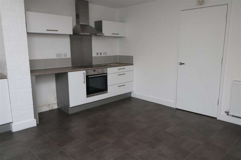 4 Bedrooms Town House for rent in Comelybank Drive, Mexborough