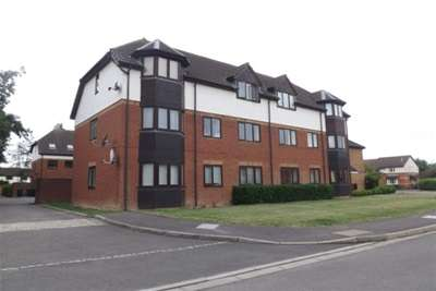 2 Bedrooms Flat for rent in Heron Drive, Bicester