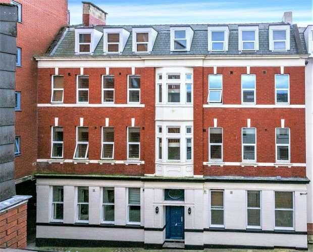 7 Bedrooms Flat for rent in The Jazz Bar Flat 7, Tithebarn Street, Preston, PR1