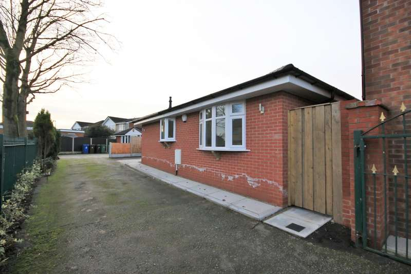 2 Bedrooms Detached Bungalow for rent in A Chapel Street, Wigan, WN5