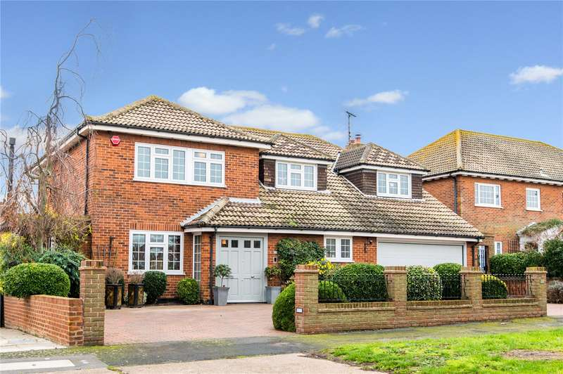6 Bedrooms Detached House for sale in Lodwick, Shoebury Promenade, Esssex, SS3