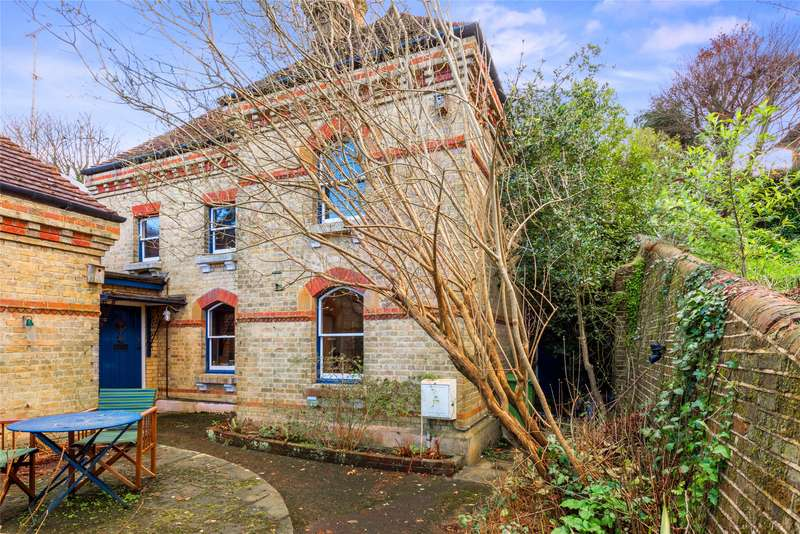2 Bedrooms End Of Terrace House for sale in Harrow Road East, Dorking, Surrey, RH4