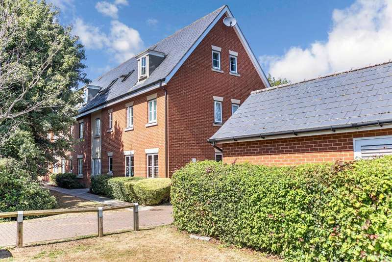 2 Bedrooms Flat for rent in Temple Way, Rayleigh, Essex, SS6 9PP