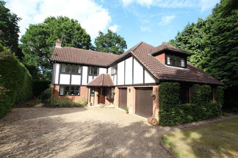 5 Bedrooms Detached House for rent in Hook Heath